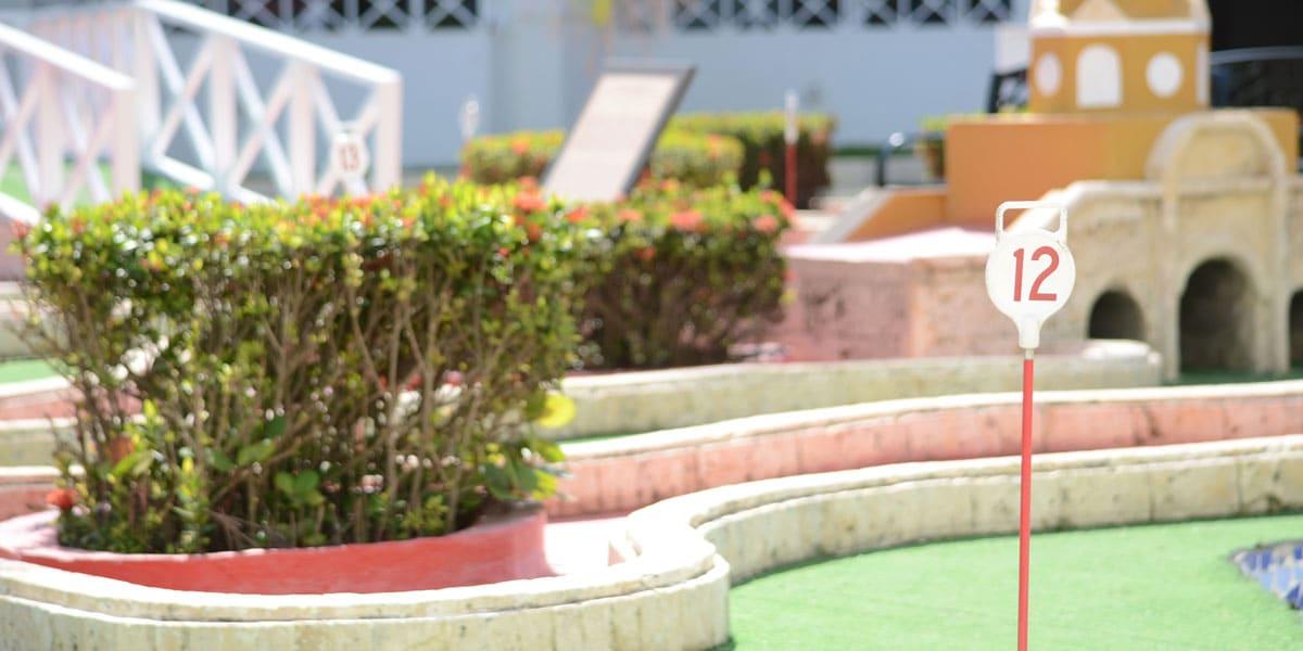 Minigolf que hacer en cartagena en el hotel las americas casa de playa