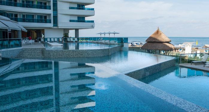 Piscinas en cartagena de indias hotel las am ricas cartagena for Alberca las americas